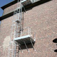 VERTIC massgeschneidertes System: Steigleiter