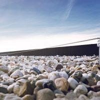 Horizontales Seilsicherungssystem ALTILIGNE bei VERTIC auf Dach aus Beton